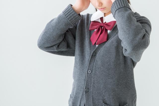 原因不明の頭痛に悩む女子中学生